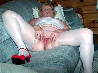 0026 Nude Cunts of Grannies and Milfs