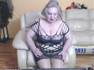 Horny granny flash 2