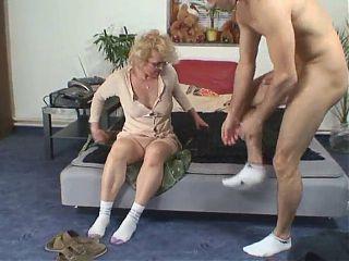 Best Granny 285